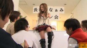 【長谷川なぁみ】サイン会でキモヲタたちに超絶ファンサービス